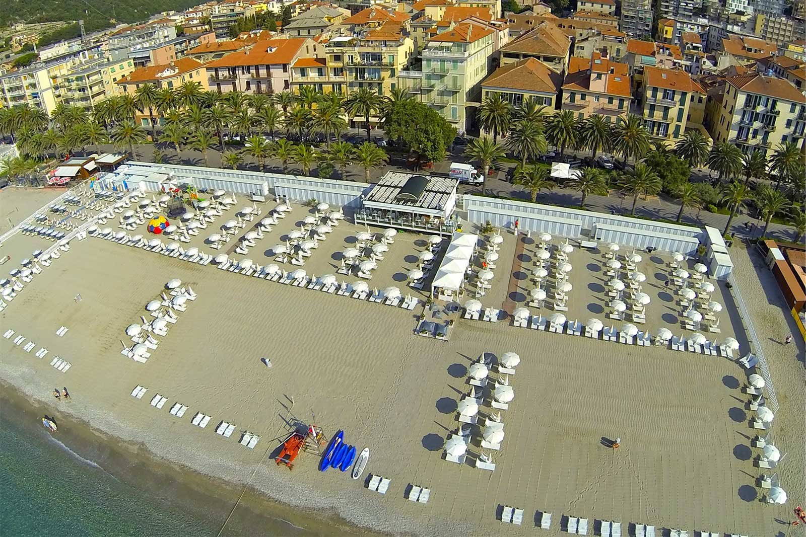 Bagni vittoria beach finale ligure